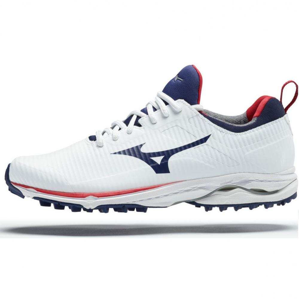 spikeless golf shoes